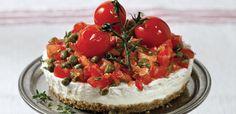 ΥΛΙΚΑ Για από πάνω 20 – 30 ντοματίνια χοντροαλεσμένα 4 κουτ. σουπ. ελαιόλαδο 1 κουτ. σουπ. κάπαρη ψιλή 1 κουτ.γλυκ. ρίγανη ή θυμάρι 1 κουτ.γλυκ. μέλι 2 κουτ.γλυκ. καστανη ζάχαρη 2 κουτ. σουπ. Chef Recipes, Greek Recipes, Snack Recipes, Snacks, Xmas Dinner, Greek Cooking, Happy Foods, Salad Bar, Cheesecake