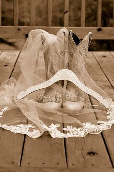 Wedding boots #cowgirl #wedding #cowgirlwedding http://www.islandcowgirl.com/