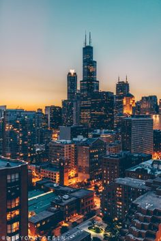 Chicago's architecture embodies that city's ambitious character. In this article, we explain why a helicopter tour is one of the best ways to experience it. City Background, Helicopter Tour, Chicago City, Concrete Jungle, City Life, Willis Tower, Travel Usa, Skyscraper, Beautiful Places
