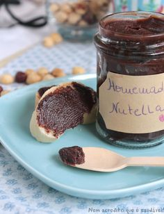 Nutella, a healthy version!Homemade Nutella (vegan, gluten and sugar free) - Nutella Healthy Chocolate, Chocolate Recipes, Delicious Vegan Recipes, Yummy Food, My Favorite Food, Favorite Recipes, Bakers Gonna Bake, High Fat Foods, Breakfast Snacks
