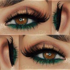 Makeup Eye Looks, Makeup For Green Eyes, Halloween Makeup Looks, Smokey Eye Makeup, Makeup Eyeshadow, Makeup Brushes, Eyeshadow Palette, Halloween Eyeshadow, Smoky Eye