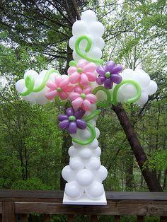 Cruz de globos, una decoracion para Bautizo o Primera Comunión. #DecoracionBautizo #DecoracionPrimeraComunion