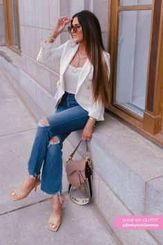 Blue Jeans, white top, White blazer and Heels. Spring Outfit. Emily Gemma, The Sweetest Thing Blog #EmilyGemma #theSweetestThingBlog Camo Fashion, I Love Fashion, Fashion Looks, Women's Fashion, Fashion Outfits, Blazer With Jeans, Blue Jeans, Popular Outfits, Cool Outfits