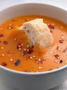 Curried Parsnip Soup http://www.realepicurean.com/2009/03/spiced-parsnip-and-tomato-soup-recipe/