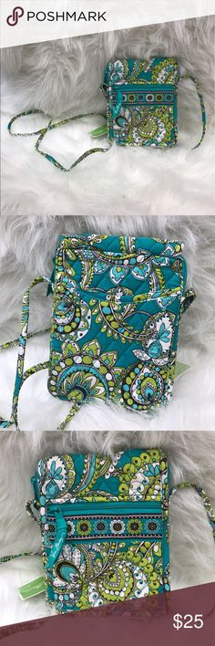 NWT VERA BRADLEY PEACOCK GREEN MINI HIPSTER PURSE Brand new with tag Vera Bradley peacock green mini hipster crossbody purse. Vera Bradley Bags Crossbody Bags