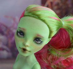 OOAK Monster High Venus McFlytrap Madam Bu repaint by MadamBuShop on Etsy