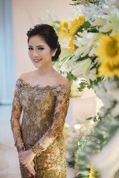 Vera Kebaya, Kebaya Lace, Batik Kebaya, Kebaya Dress, Batik Dress, Kebaya Hijab, Model Kebaya Modern, Kebaya Modern Dress, Kebaya Bali Modern
