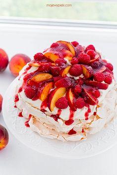 Tort bezowy brzoskwiniowa melba