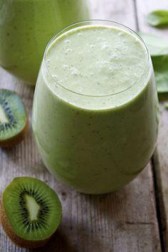 Recipe: Pineapple Kiwi Green Smoothie with Coconut Milk