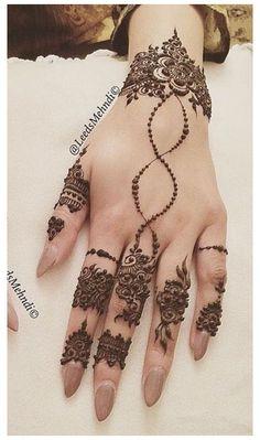 Modern Henna Designs, Floral Henna Designs, Finger Henna Designs, Mehndi Designs 2018, Mehndi Design Pictures, Mehndi Designs For Girls, Mehndi Designs For Fingers, Mehndi Designs For Hands, Finger Mehndi Style