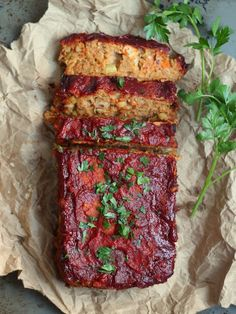(Almost) Classic Chickpea Vegan Meatloaf. Who doesn't love a meat-free meatloaf, served with cauli mash and vegan gravy? Veggie Recipes, Whole Food Recipes, Vegetarian Recipes, Cooking Recipes, Healthy Recipes, Dinner Recipes, Vegitarian Thanksgiving Recipes, Tofurkey Thanksgiving, Vegetarian Thanksgiving Main Dish