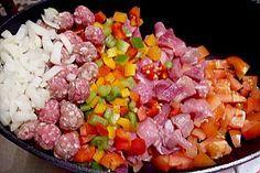 Party - Schichtgulasch, ein gutes Rezept aus der Kategorie Gemüse. Bewertungen: 111. Durchschnitt: Ø 4,4.