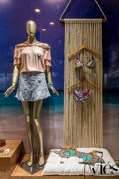 Fashion Shop Interior, Stacy London, Clothing Store Design, Beach Stores, Showroom, Visual Merchandising Displays, Boutique Decor, Clothing Displays, Retail Store Design