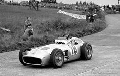 Fórmula 1 1954: Mercedes-Benz W196 dirigido por Juan Manuel Fangio vai a leilão naBonhams