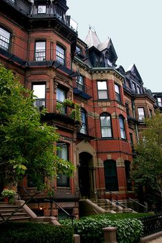 Commonwealth Ave in Back Bay section of Boston Boston Brownstone, Beautiful Homes, Beautiful Places, Ville New York, 3d Home, City Aesthetic, In Boston, Boston Strong, City Living