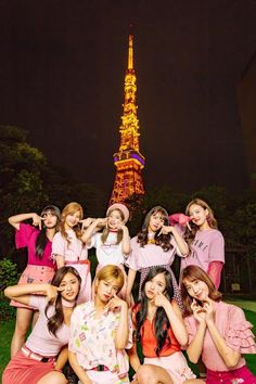 """TWICE is LITERALLY taking over Japan with TT prominently displayed on the iconic Tokyo Tower! Nayeon, Kpop Girl Groups, Korean Girl Groups, Kpop Girls, Twice Dahyun, Tzuyu Twice, Tokyo Tower, Girls Generation, Twice Group"