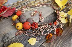 Колье, бусы ручной работы. Ярмарка Мастеров - ручная работа. Купить Колье Осеннее настроение из меди и войлока wire wrap. Handmade.