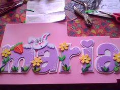 NOMBRES EN FOAMI Fancy Letters, Diy Letters, Painted Letters, Wood Letters, Foam Sheet Crafts, Foam Crafts, Paper Crafts, Cute Crafts, Diy And Crafts