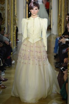 Ulyana Sergeenko SPRING 2016 COUTURE http://www.vogue.com/fashion-shows/spring-2016-couture/ulyana-sergeenko/slideshow/collection