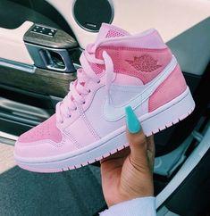 Jordan Shoes Girls, Girls Shoes, Pink Shoes, Nike Jordan Shoes, Cool Nike Shoes, Cute Girl Shoes, Kd Shoes, Nike Shoes Outlet, Zapatillas Nike Jordan
