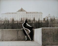 SERGEI BORISOV (*1947)  ON THE QUAI, 1988 VERSO: SIGNED, TITLED AND DATED VINTAGE GELATIN-SILVER PRINT ON BARYTA PAPER 50 X 59,7 CM  LITERATURE: SERGEI BORISOV PHOTOGRAPHIES, EDITION LEV TOLSTOI PRINTING, TULA, RUSSIA, 1993