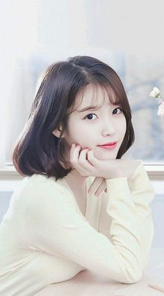 When you care for your hair your whole life changes. Good hair tells other people that you are put together. Few people can resist or deny the appeal of a Iu Short Hair, Korean Short Hair, Korean Girl, Short Hair Styles, Iu Hair, Korean Beauty, Asian Beauty, Snsd Yuri, Kim Chungha
