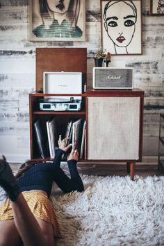 Vinyl Record Storage Cabinet- Home Decor- Interior Design Vinyl Storage, Record Storage, Diy Zimmer, Audio Room, Record Players, Crosley Record Player, Record Player Stand, Granny Chic, Style Retro