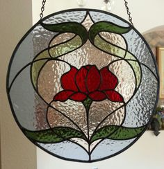 Companion English Muffle Rose to the three rose piece. Stained Glass Flowers, Faux Stained Glass, Stained Glass Lamps, Stained Glass Designs, Stained Glass Panels, Stained Glass Projects, Stained Glass Patterns, Mosaic Glass, L'art Du Vitrail
