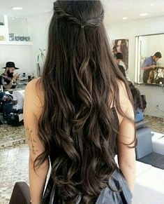 Do you like your wavy hair and do not change it for anything? But it's not always easy to put your curls in value … Need some hairstyle ideas to magnify your wavy hair? Beautiful Long Hair, Gorgeous Hair, Hair Inspo, Hair Inspiration, Curly Hair Styles, Natural Hair Styles, Long Shag Haircut, Hair Day, Pretty Hairstyles