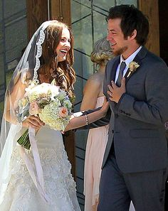 Great article of the wedding!!!! Lee DeWyze Marries: See His Bride Jonna Walsh's Wedding Dress!