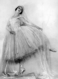 Gorgeous Vintage Photographs Of Ballet Dancers
