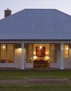 Scone Farmhouse - farmhouse - Exterior - Other Metro - Michael Bell Architects Pty Ltd Farmhouse Architecture, Architecture Design, Michael Bell, Old Style House, Architects Sydney, Australian Homes, Australian Farm, Facade House, House Facades