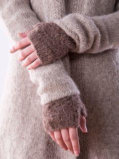Sparrow Fingerless Mitts Knitting Pattern