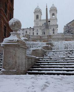 Roma ♠ snow in Piazza di Spagna 26.02.2018 (@giancarlopannese) su Instagram