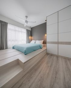 Check out this Scandinavian-style HDB Bedroom and other similar styles on Qanvast. Small Room Design Bedroom, Small House Interior Design, Interior Design Singapore, Modern Bedroom Design, Home Room Design, Modern Bedroom Furniture, Home Decor Bedroom, Platform Bedroom, Suites