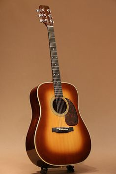 Martin D-28 Shade Top (1963) : Sitka Spruce top, Brazilian Rosewood back & sides.