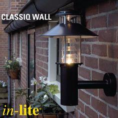 Een oude bekende in onze wandlampen-serie is CLASSIQ WALL: een klassiek wandarmatuur die een sfeervol warm licht geeft. Staat erg mooi naast bijvoorbeeld je openslaande tuindeuren of de voordeur. Tijdelijk nog met 50 % korting op=op