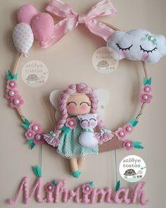 948 likes, 31 comments - Elif Buzlu Komanovalı ( on I . Felt Crafts Diy, Baby Crafts, Crafts For Kids, Felt Wreath, Felt Garland, Sewing Toys, Baby Sewing, Baby Door, Felt Baby