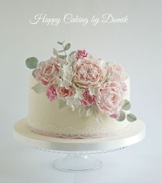 Wedding Cake Floral wedding cake for a happy couple. Pretty Cakes, Cute Cakes, Beautiful Cakes, Single Tier Cake, Single Layer Cakes, Bolo Floral, Floral Cake, Floral Wedding Cakes, Elegant Wedding Cakes