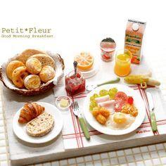 ミニチュアフードの朝食セットを作りました。 Miniature breakfast made by me. #miniature#miniaturefood#dollhouse#handmade#breakfast#ミニチュア#ミニチュアフード#ドールハウス#ハンドメイド#粘土クラフト