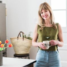 Chicago designer, Claire Staszak, share her top 9 best white paint colors. Examples of both cool and warm white paint colors are shared. Color Trends 2018, Design Trends 2018, Dark Grey Kitchen Cabinets, Mood Board Interior, Dark Paint Colors, Attic Bedroom Designs, Best White Paint, Design Projects, Art Projects