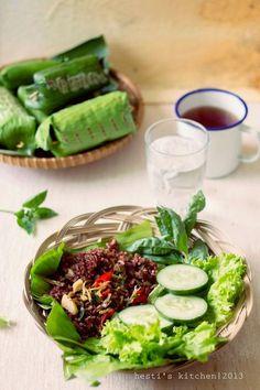 Ini pertama kalinya aku mencoba membuat nasi bakar. Dapat review dari blognya Mbak Nony , nasi bakar favorit yaitu resepnya Bu Fatmah...