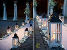 04 hochzeit kerzen hochzeitsdeko hochzeits Altar weiss vintage hochzeit dekoidee Hochzeit Deko Idee – Lichthochzeit mit Kerzen oder Lampen