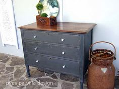 Stained top and bottom painted in AS Graphite by Pyes Pa Villa Design http://ppvilladesign.blogspot.co.nz/2015/04/stained-top-and-painted-bottom-chest.html