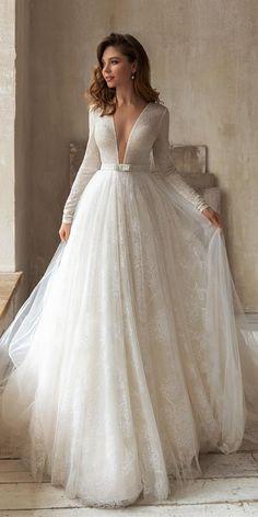 Minimalist Wedding Dresses, Black Wedding Dresses, Wedding Dress Sleeves, Elegant Wedding Dress, Trendy Wedding, Gown Wedding, Civil Wedding, Ball Dresses, Ball Gowns