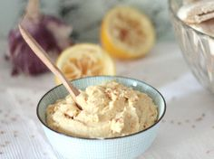Découvrez la recette Houmous maison ultra simple sur cuisineactuelle.fr.