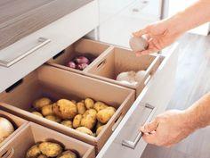 Mit den passenden Schubladeneinsätzen für Kochutensilien oder Lebensmittel gehört Chaos der Vergangenheit an.