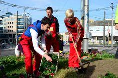 V piatok 17. mája Teleráno upratovalo Bratislavu :-) moderátori sa ukázali aj ako schopní záhradníci