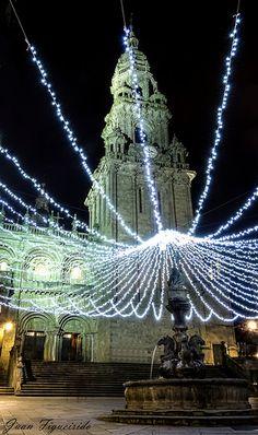 Berenguela torre del reloj y campana de la misma torre, de la Catedral de Santiago de Compostela, Galicia, España.