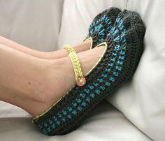 Crochet pattern, home shoes women mary jane crochet pattern,  home slippers pattern #crochetpattern #crochet